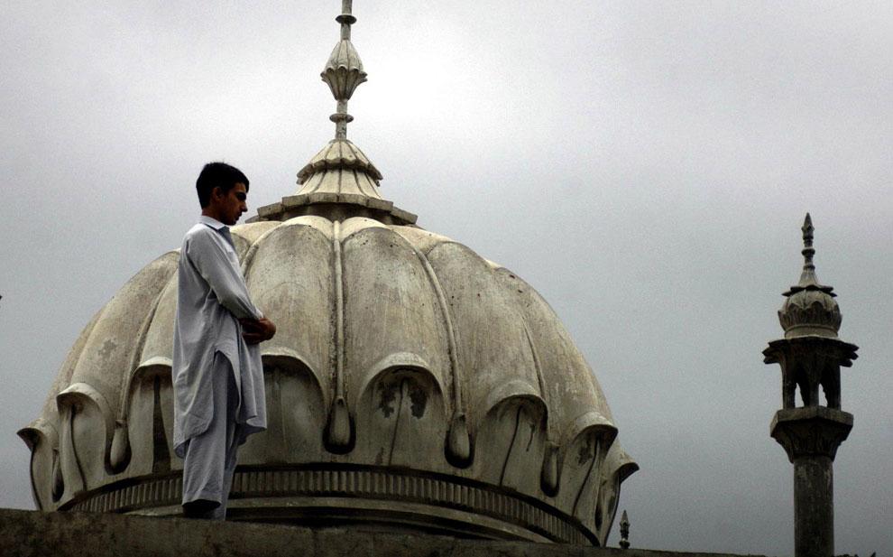 во время пятничной молитвы в Рамадан, фото
