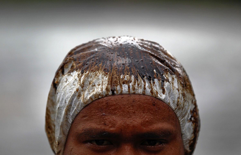 нефтяное пятно на голове