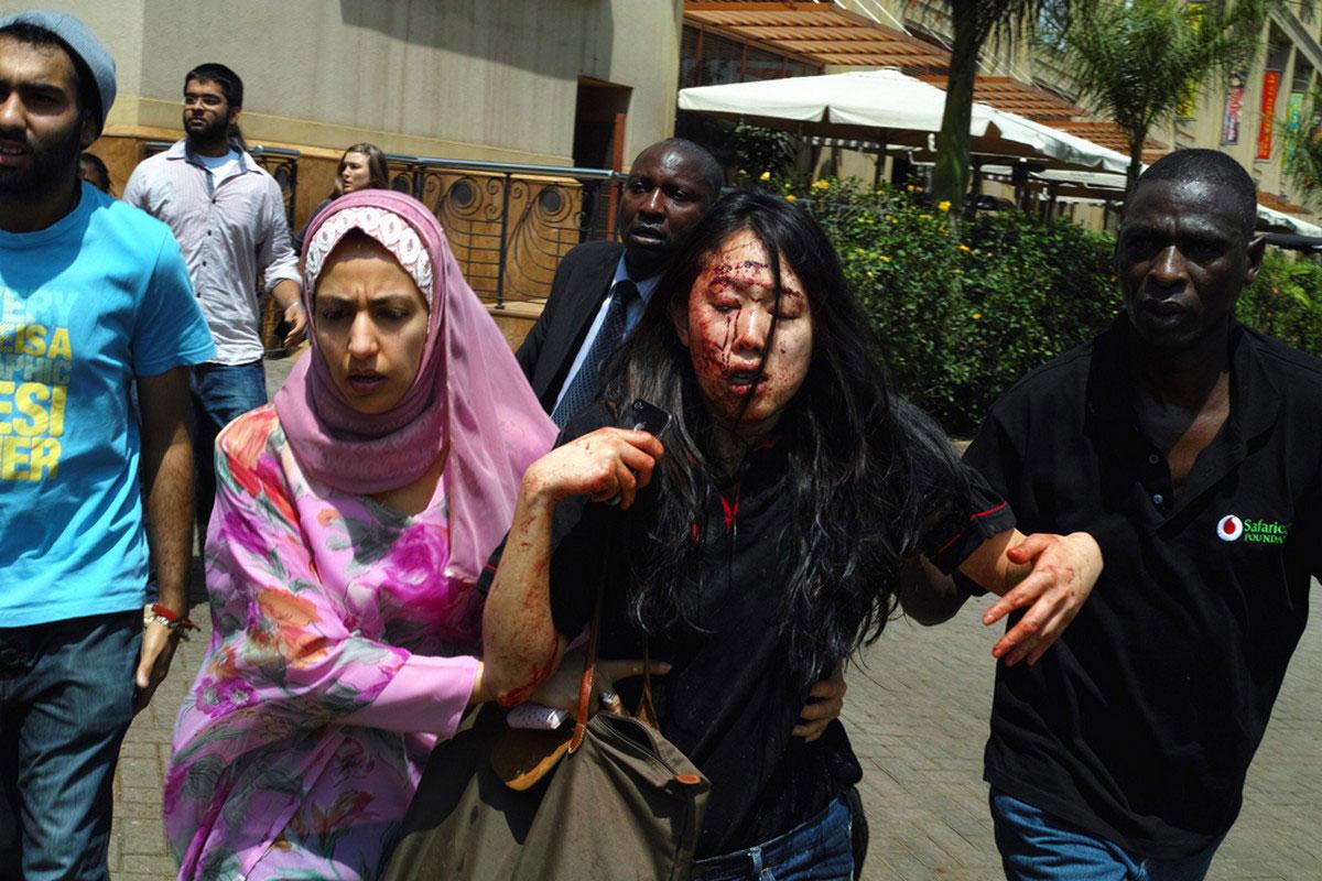 раненая в теракте женщина