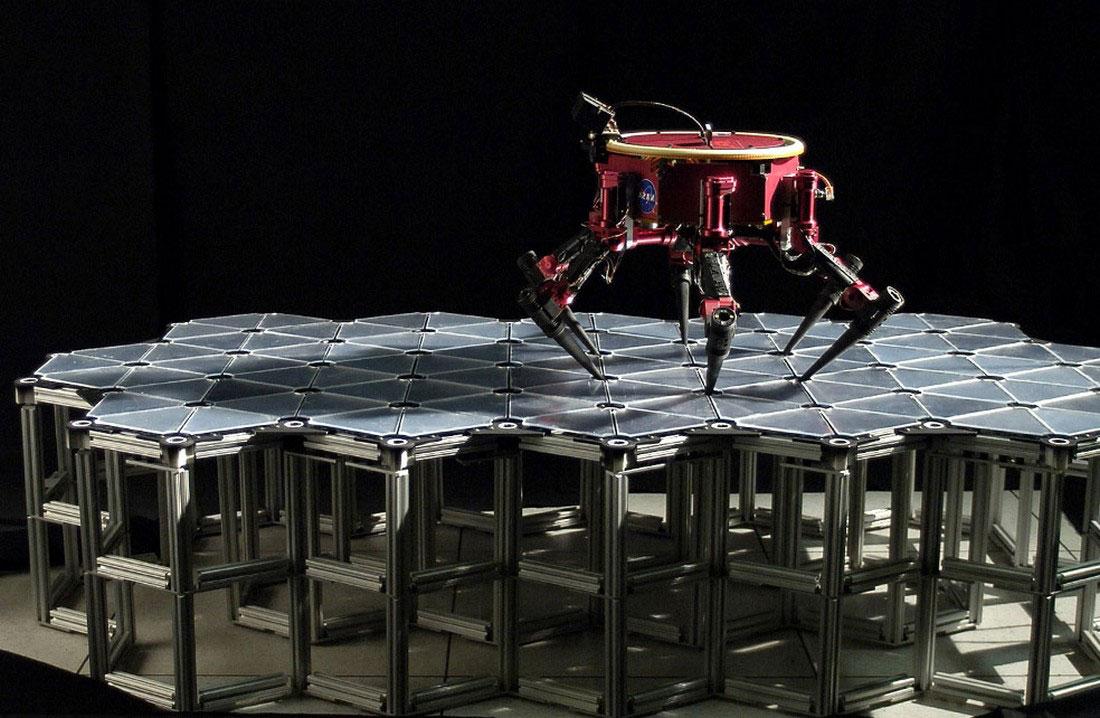 робот для обслуживания космический кораблей, фото