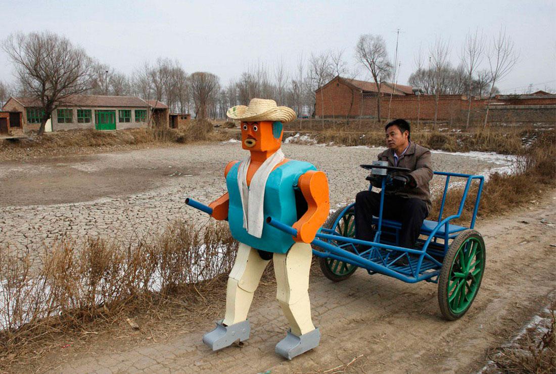 шагающий робот рикша, фото