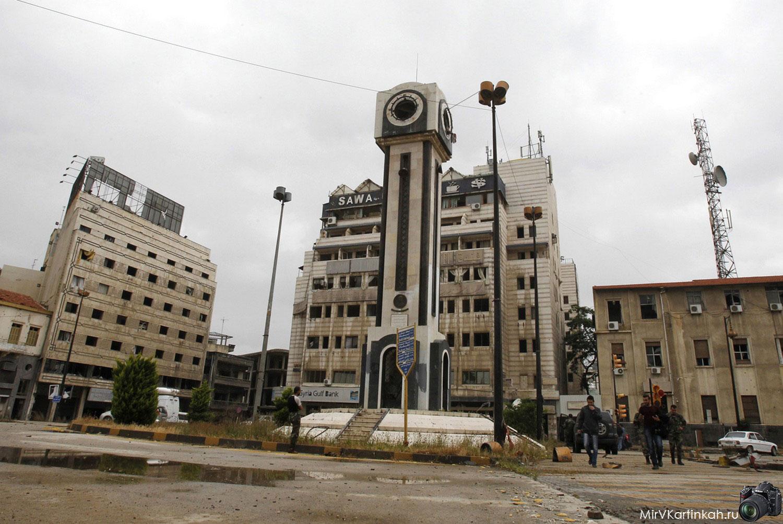 башня с часами после военных дейчтвий