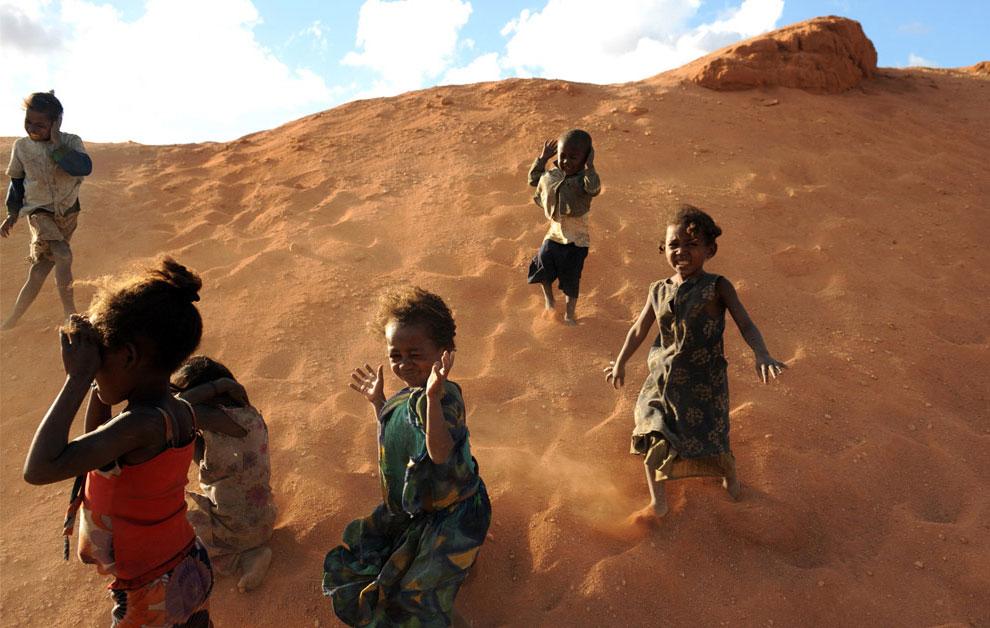 дети шахтеров на руднике, фото
