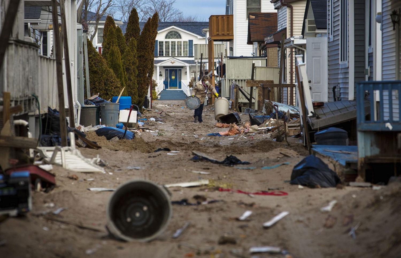 мусор в Бризи-Пойнт, фото