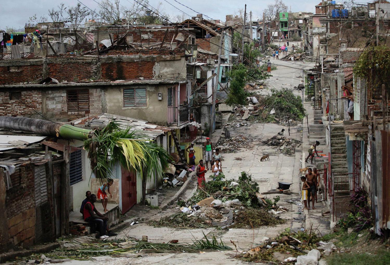 заваленные мусором улицы в Сантьяго-де-Куба