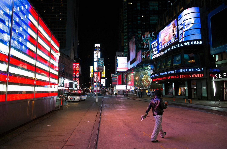 опустевшая Таймс-Сквер