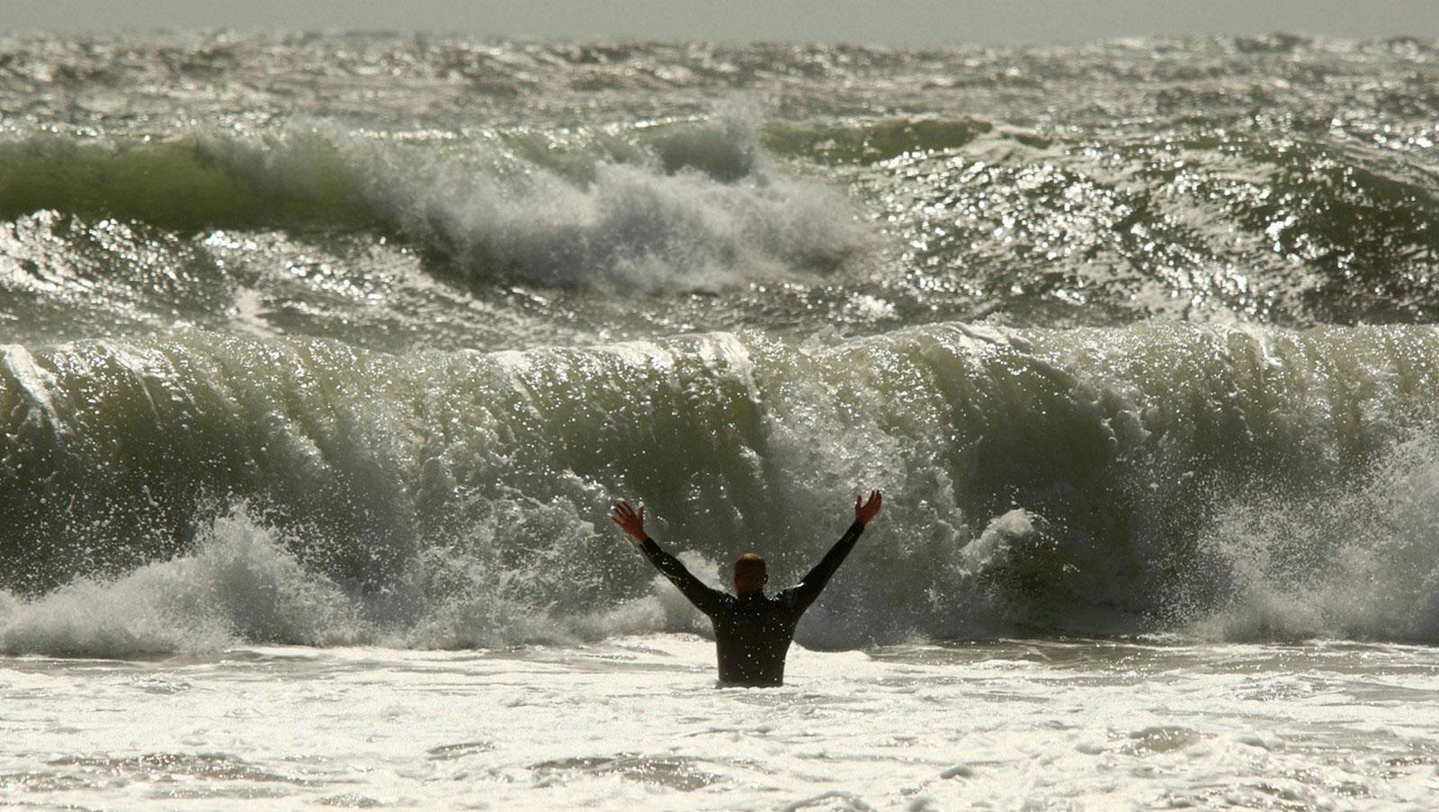 волны перед ураганом, фото
