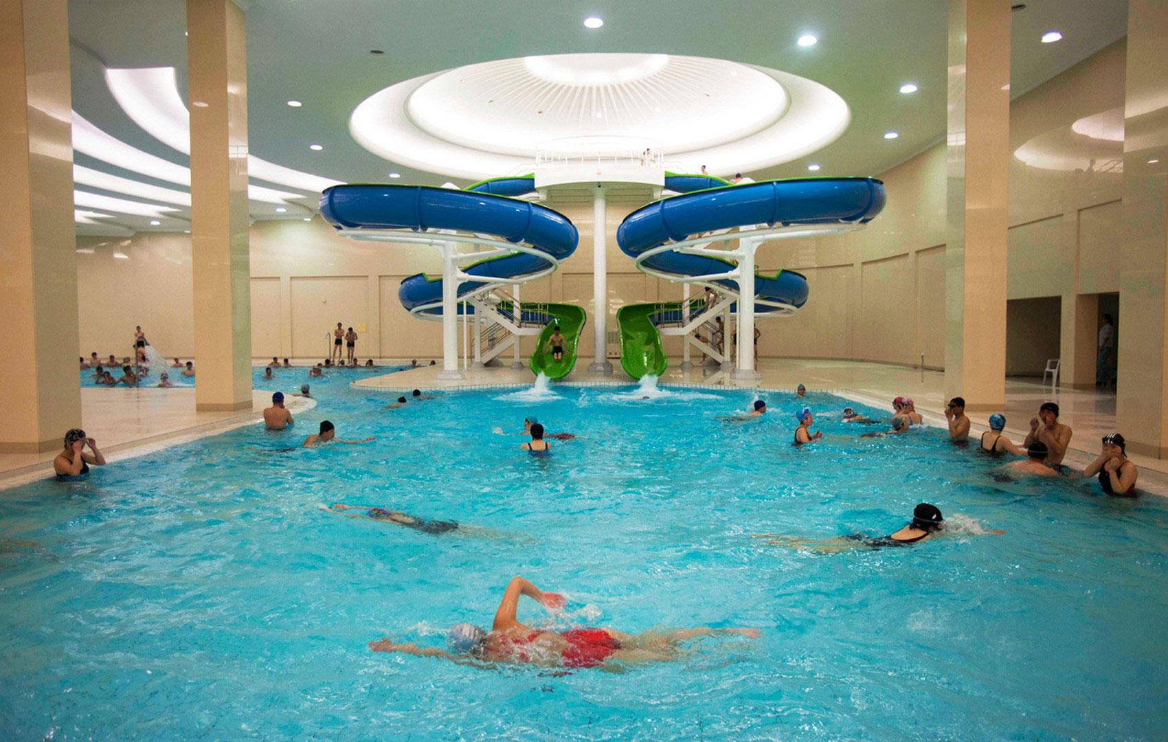 бассейн в университете Ким Ир Сена