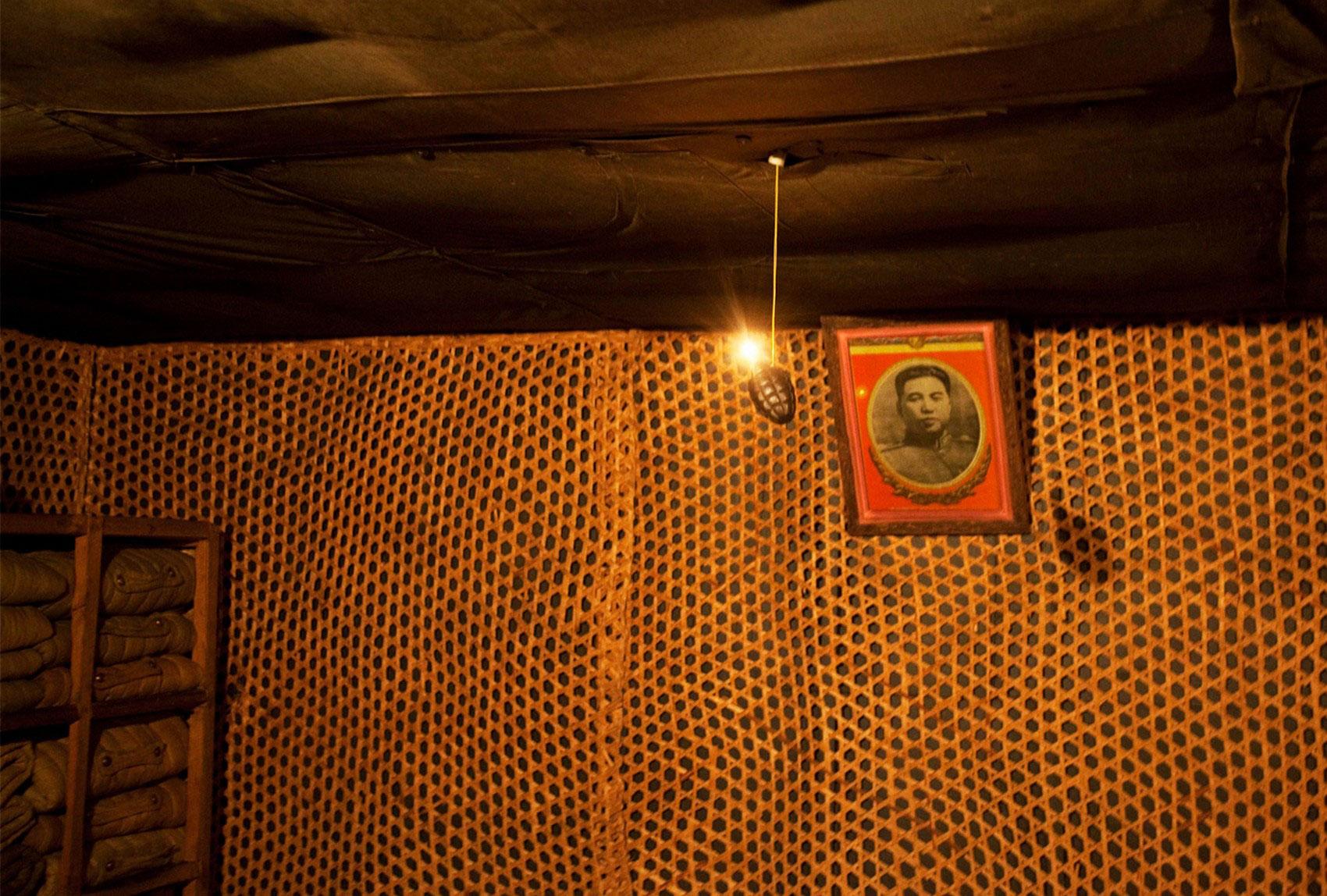 Портрет Ким Ир Сена на стене в музее
