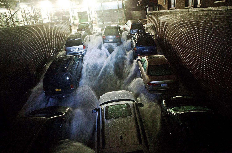 затопление подземного гаража в США, фото