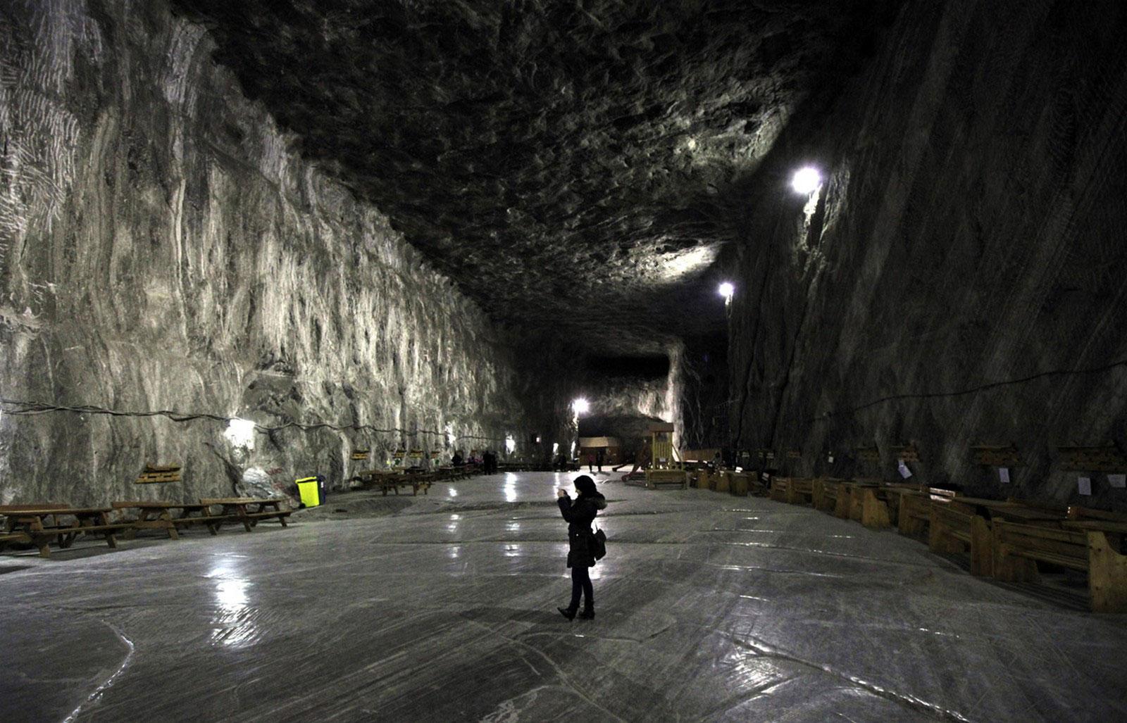 шахта для туристов