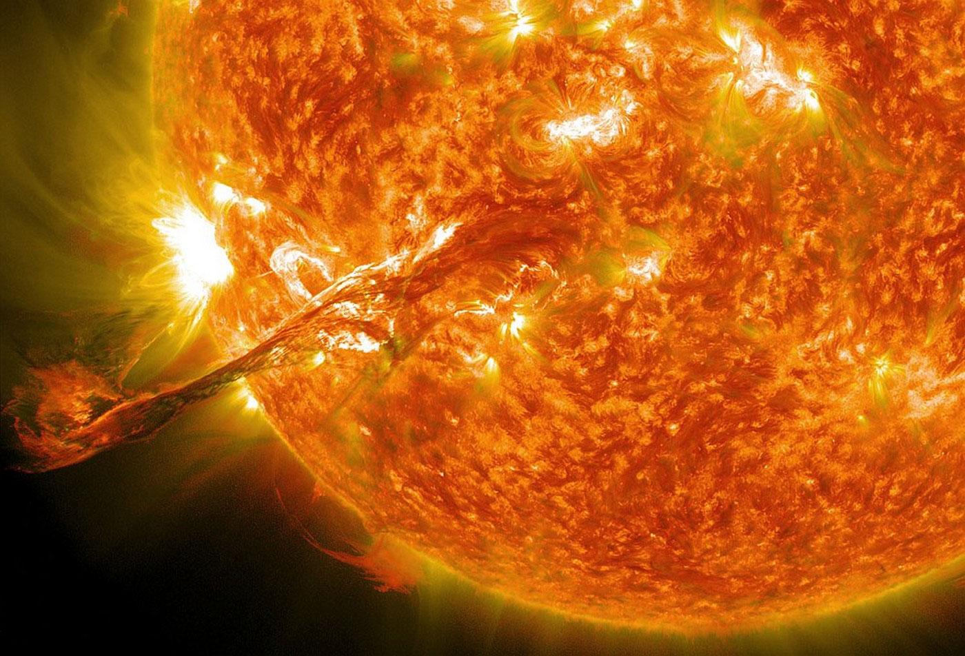 Гигантская вспышка на Солнце, фото
