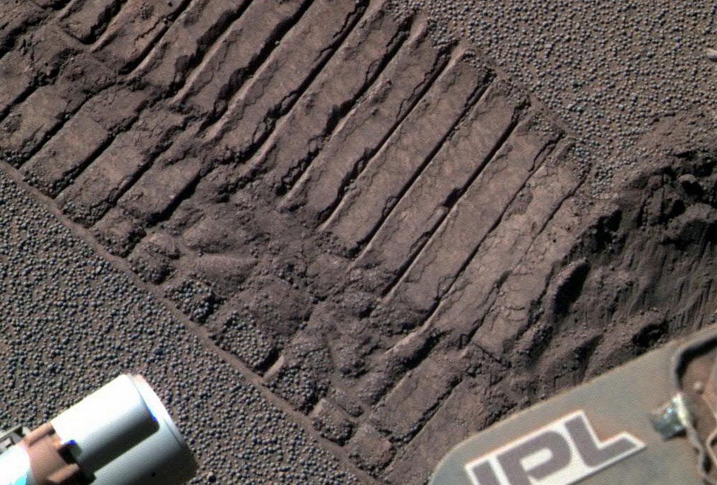 следы от марсохода