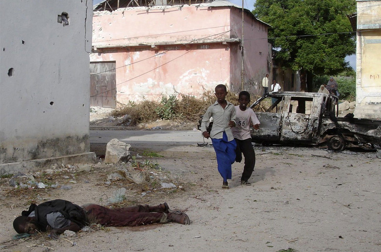 труп на улицах Могадишо, фото