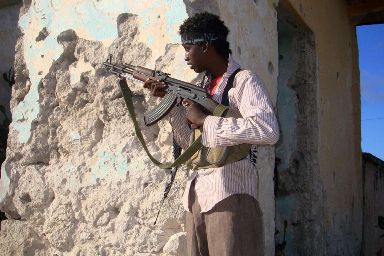боевики у президентского дворца, фото