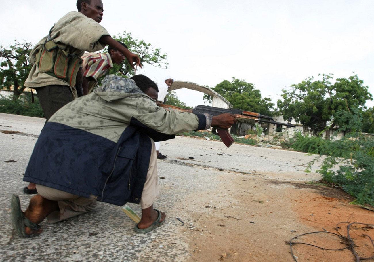 боевики обстреливают войска