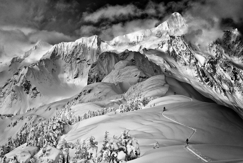 в горах на лыжах
