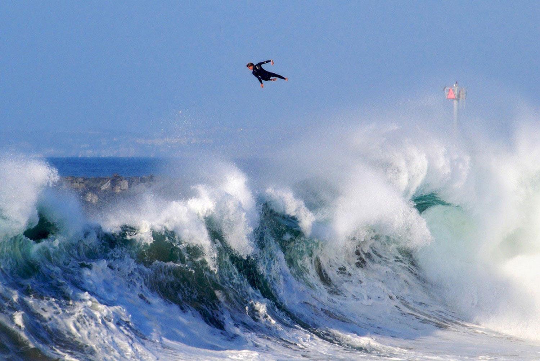 прыжок через волну