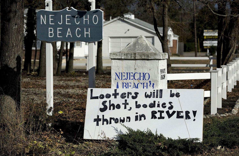 расчистка территории после урагана Сэнди