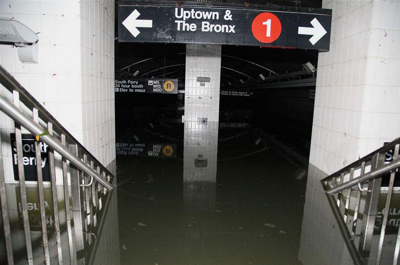 Затопленное метро в нижнем Манхэттене, фото урагана Сэнди