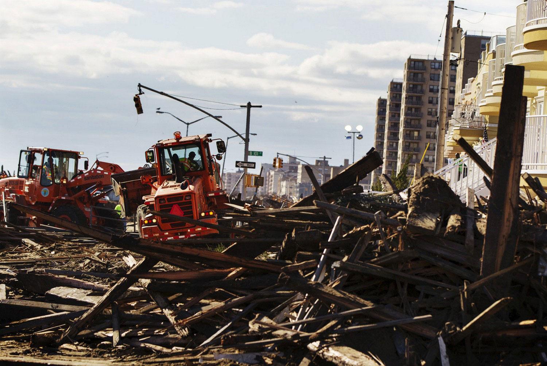 расчистка дорог после урагана Сэнди