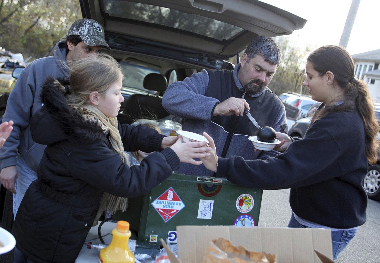 горячий суп пострадавшим от урагана Sandy