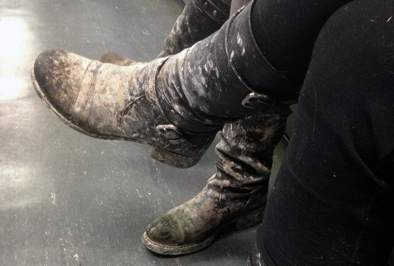 Грязные сапоги добровольцев, фото урагана Сэнди