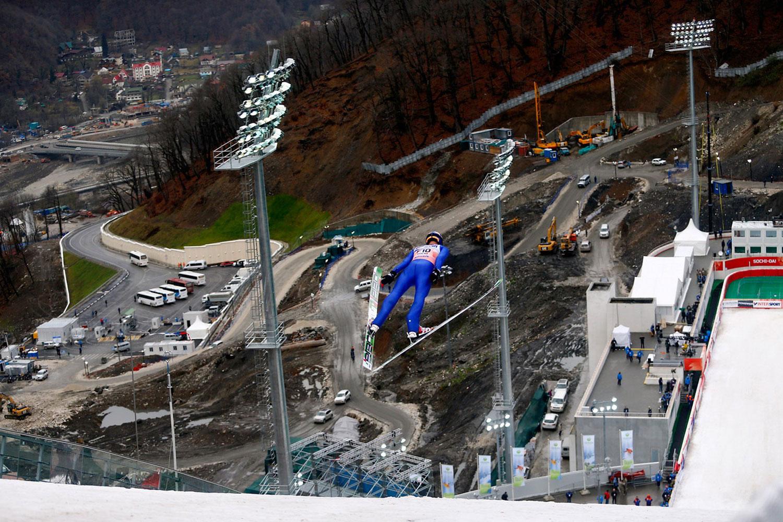 прыжок с горнолыжного трамплина, фото