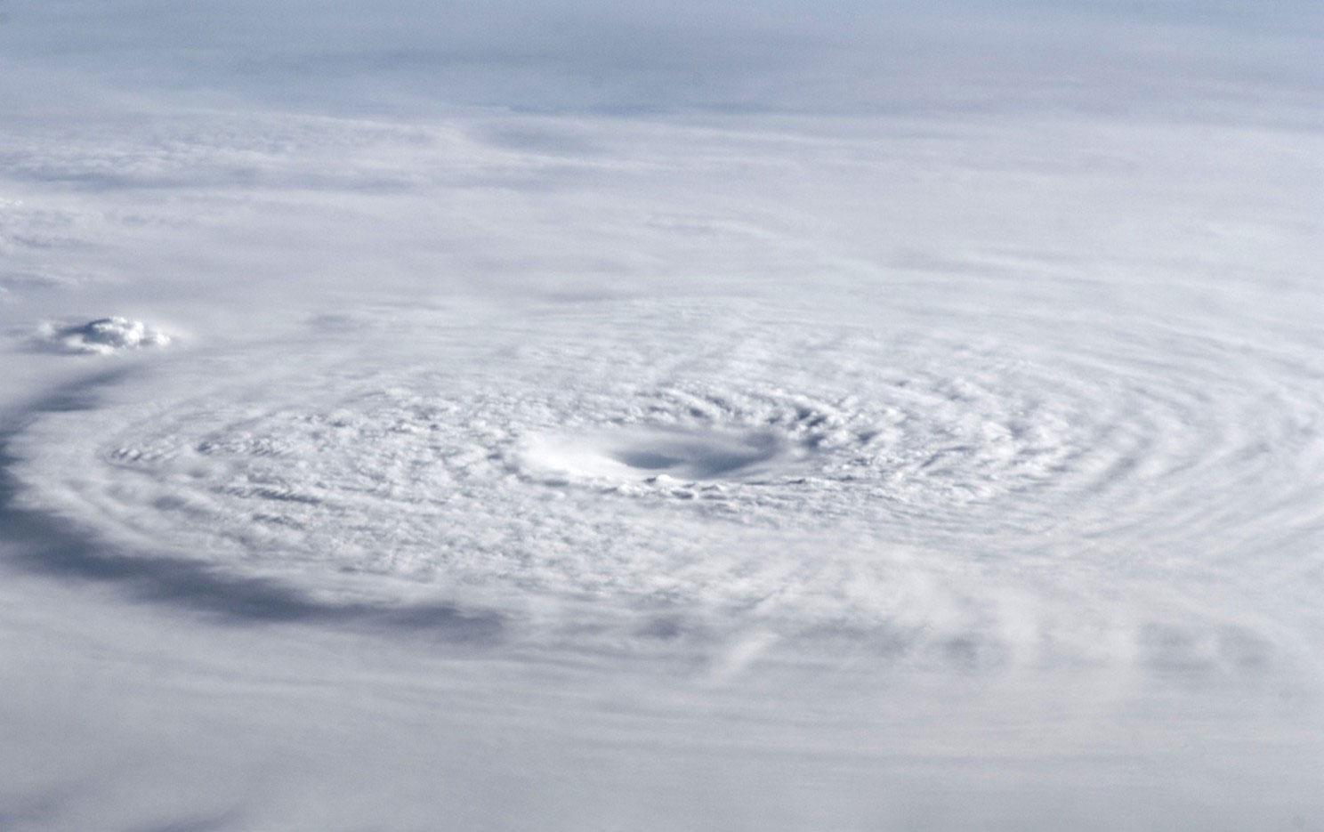 Фотография урагана Бофа в 2012 году