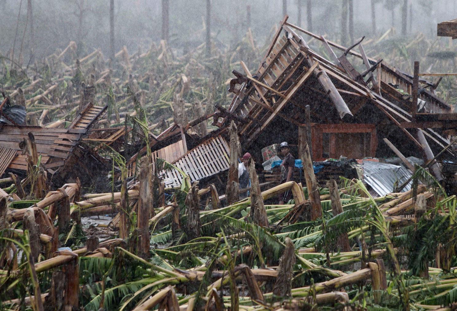 тайфун Бофа снес дома на Филиппинах