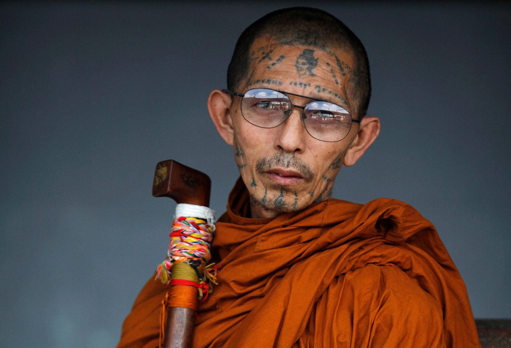 Татуированный буддийский монах