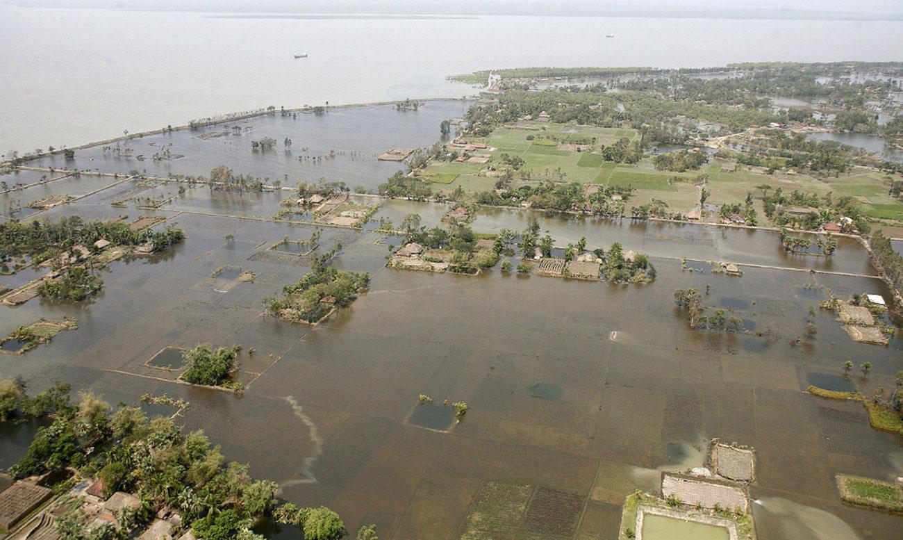 затопленная деревня к югу от Калькутты