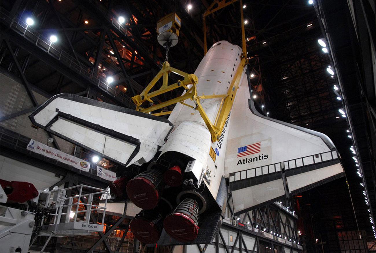 Сборка аппарата в Космическом центре