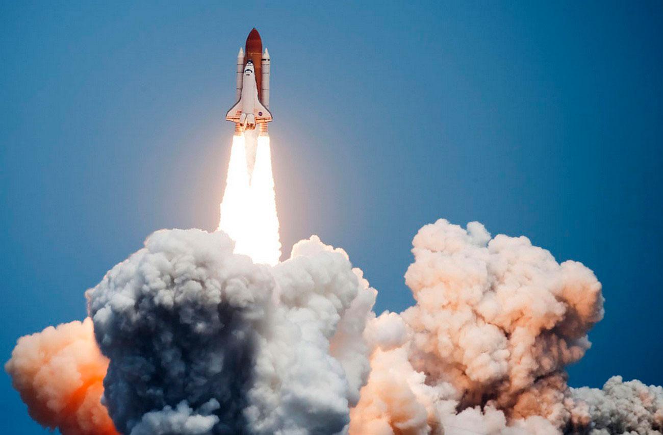 взлет космического корабля к Хабблу, фото