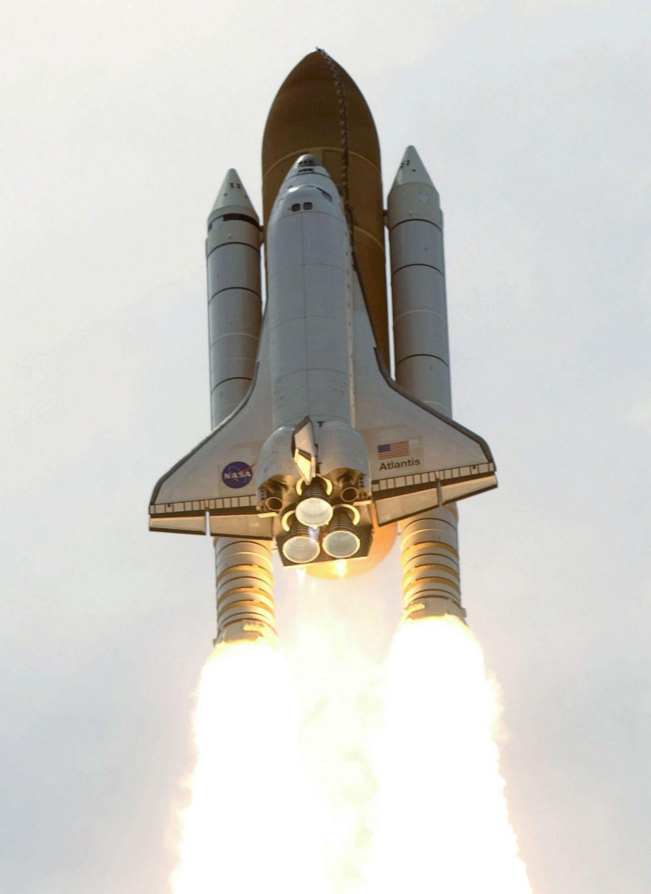 шаттл ушел для сближения с космическим телескопом Хаббл