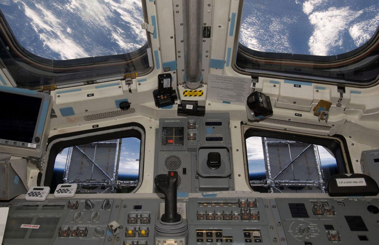 Солнечные батареи на телескопе Хаббл
