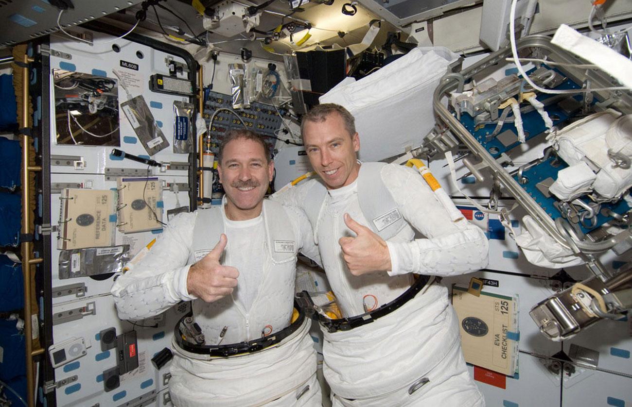 на борту космического шаттла, фото