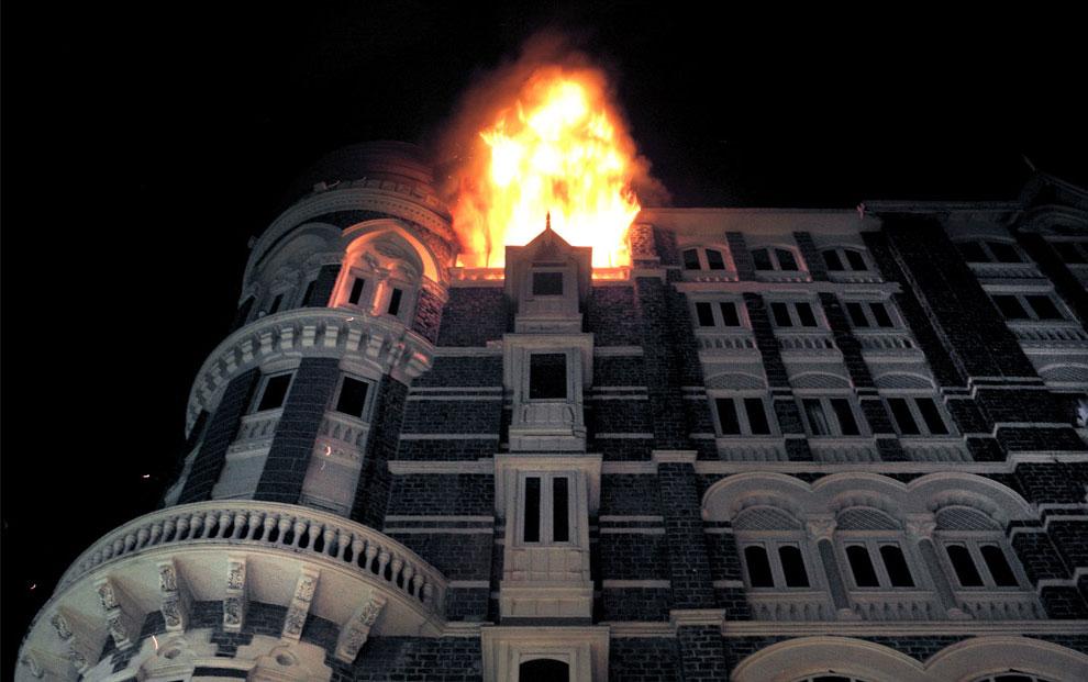 пожар в отеле в Мумбаи, Индия, фото