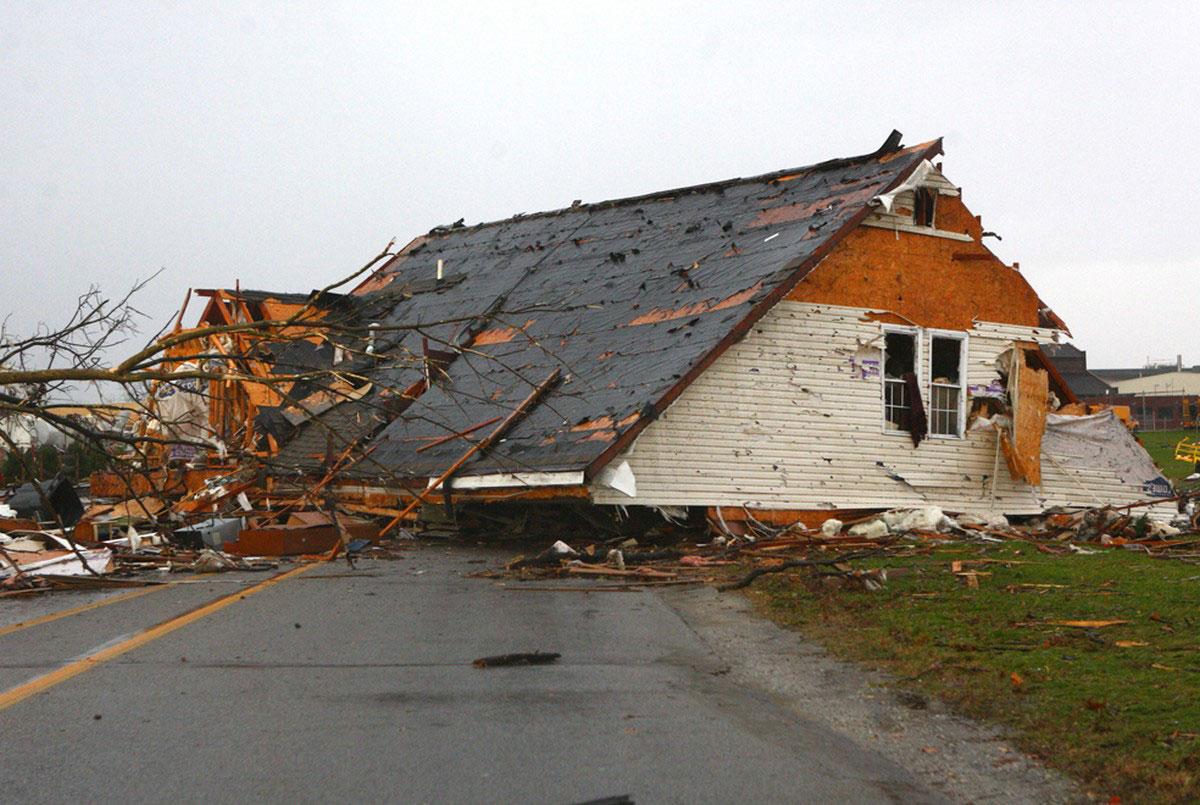 уничтоженный стихией дом