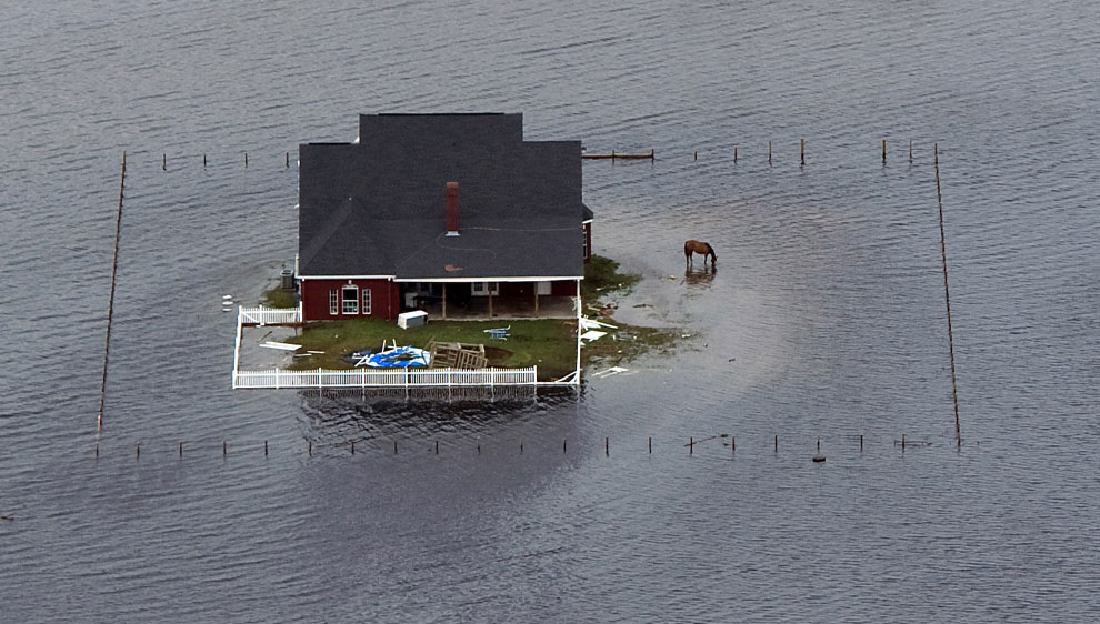 дом, окруженные паводками, США, фото