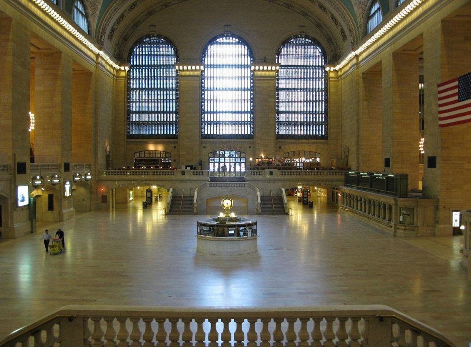 зал Центрального железнодорожного вокзала в Нью-Йорке