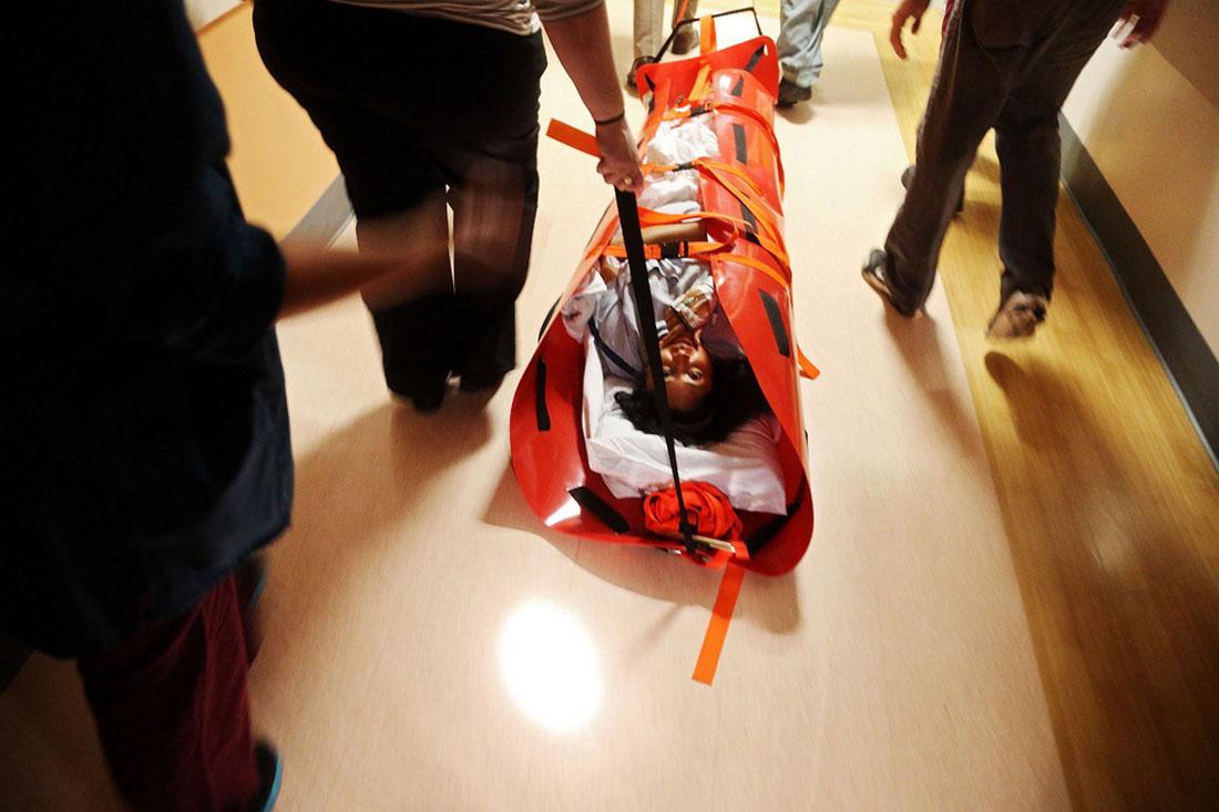 эвакуация пострадавших, фото урагана Сэнди в США