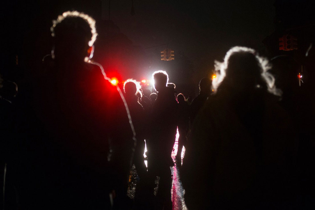 жители Манхэттена, фото урагана Сэнди в США