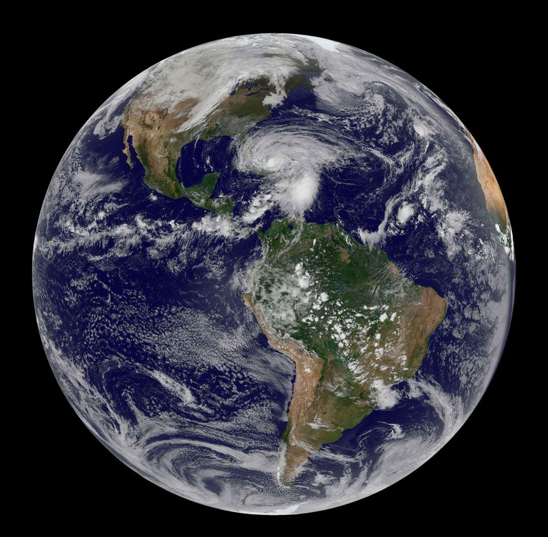 фото из космоса на ураган, Сэнди в Нью-Йорке