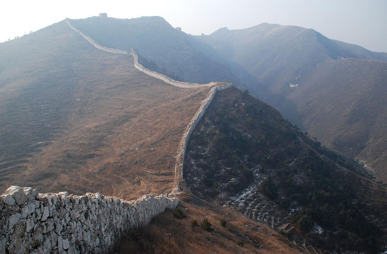 разрушенная часть Великой Китайской стены, фото