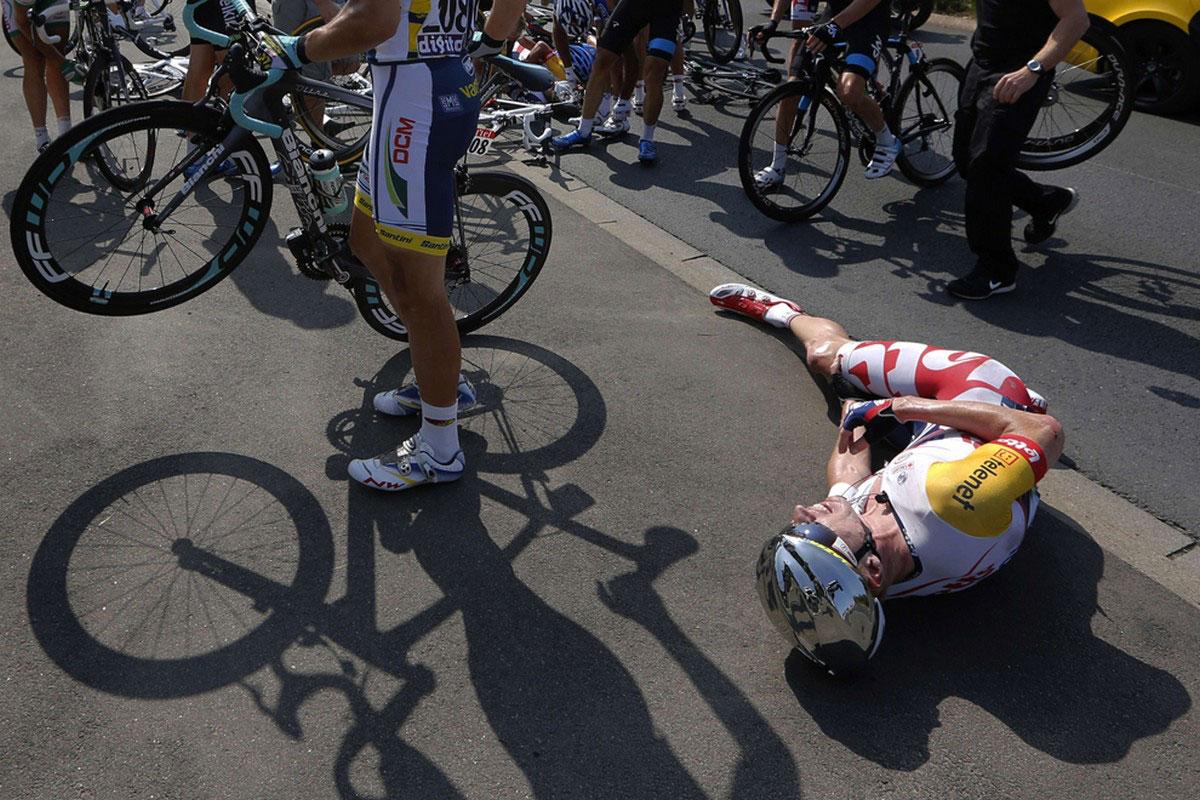 Грегори Хендерсон на велосипеде