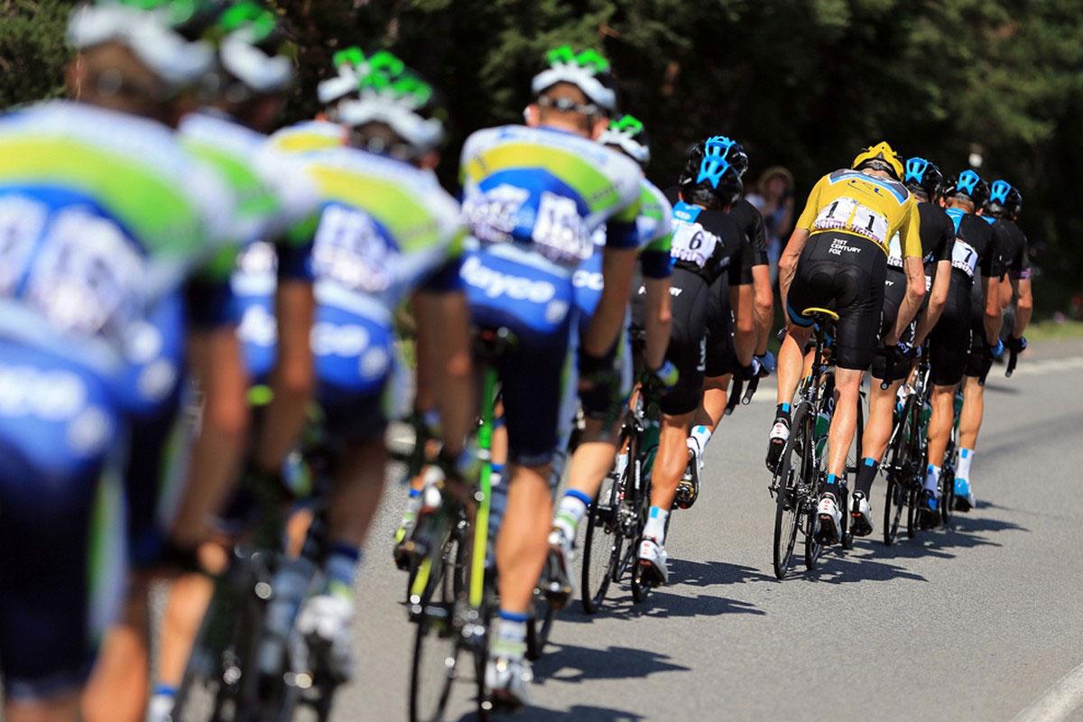 велосипедисты на 16 этапе во Франции