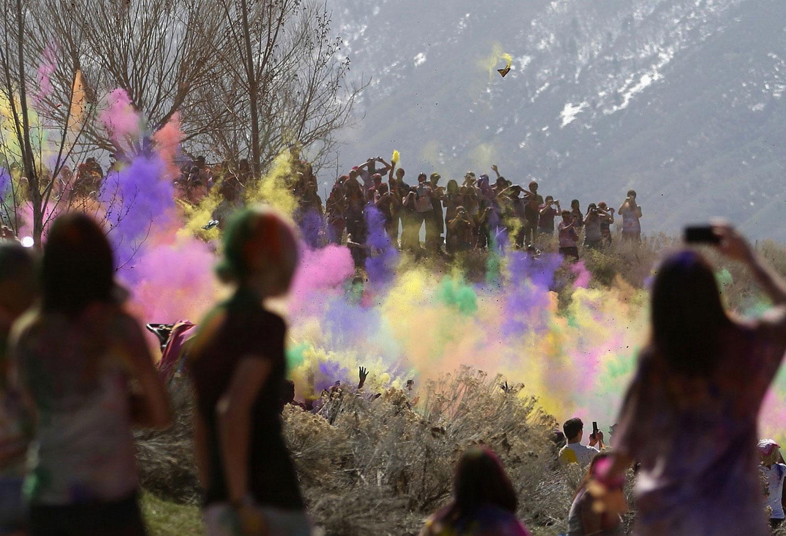 фестиваль весны Холи
