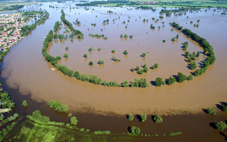 Вид с воздуха на реку Эльба