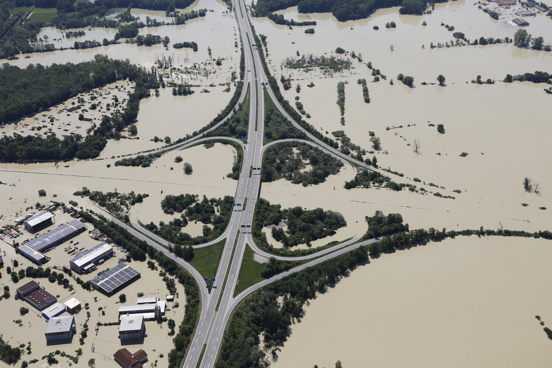Наводнение на пересечении дорог
